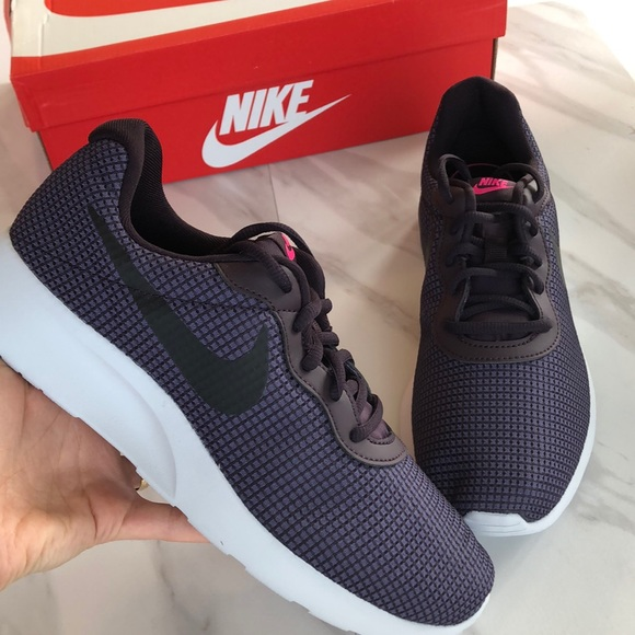 375fb64a299 ❗️sale NWT Nike Tanjun Women s Shoes Size 9